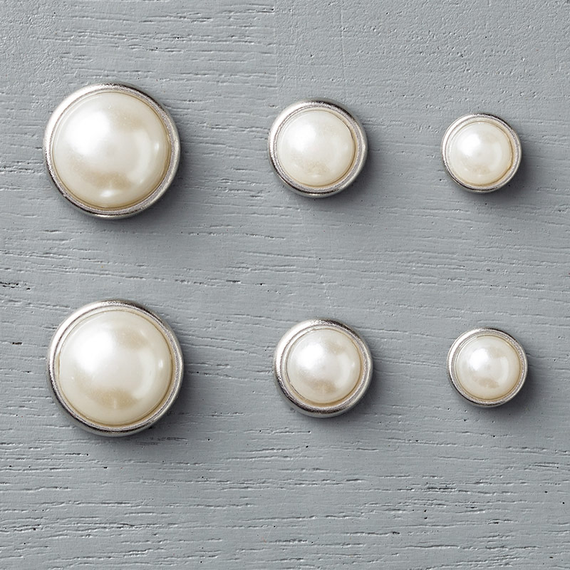 Metal Rimmed Pearls