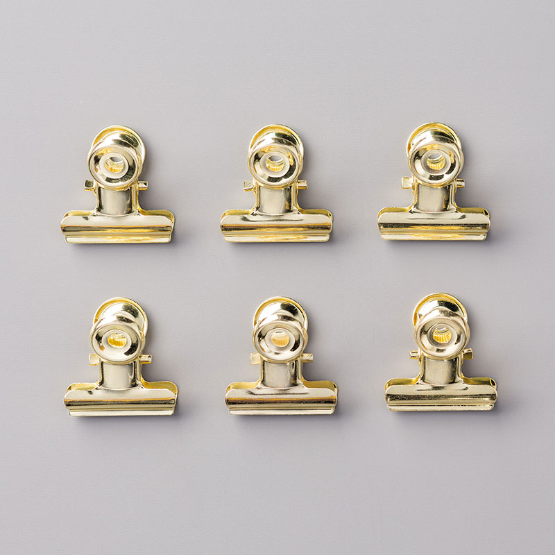 https://www.stampinup.com/ecweb/product/144130/gold-library-clips?dbwsdemoid=2035972