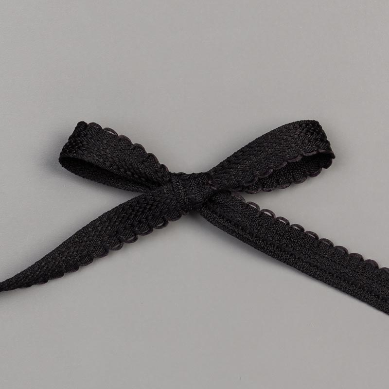 "BASIC BLACK 3/8"" (1 CM) SCALLOPED EDGE RIBBON"