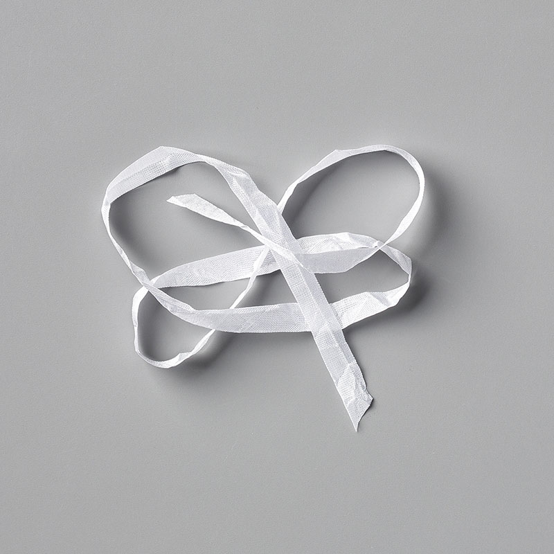 https://www.stampinup.com/ecweb/product/151326/whisper-white-1-4-6-4-mm-crinkled-seam-binding-ribbon?dbwsdemoid=2035972