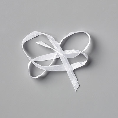 WHISPER WHITE 1/4 (6.4 MM) CRINKLED SEAM BINDING RIBBON
